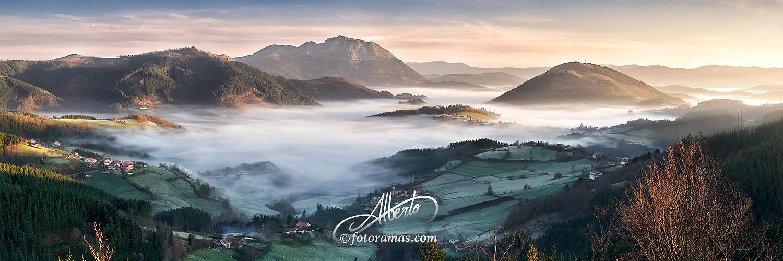Aramaio entre la Niebla