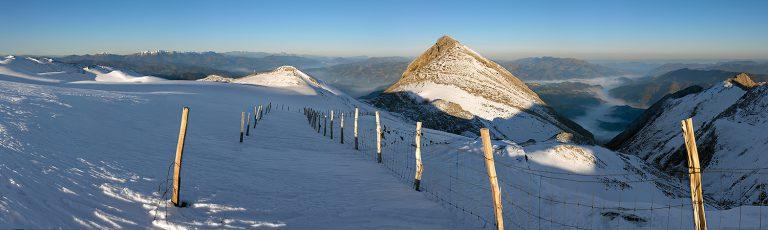 Cima del Monte Txindoki en Goierri Gipuzkoa Nieve