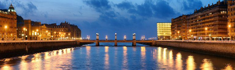 Puente de Gros Donostia San Sebastian Noche