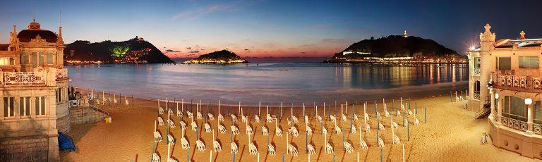 Playa de la Concha por la Noche en Donostia San Sebastian