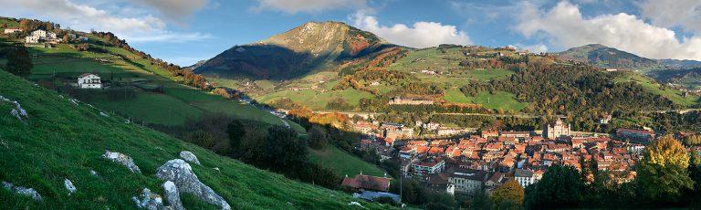 Tolosa y Monte Uzturre Gipuzkoa