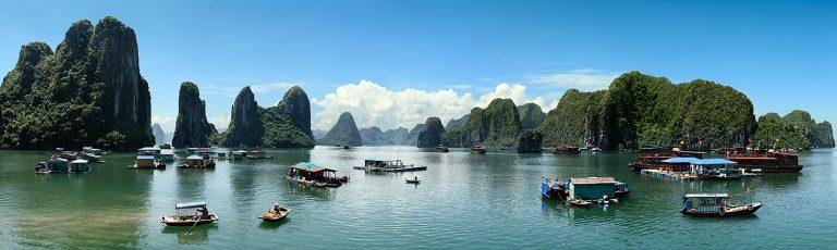 Barcas en la Bahia de Ha Long Vietnam