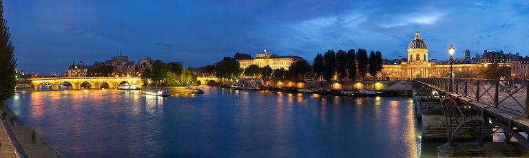 Rio Sena en Paris por la Noche