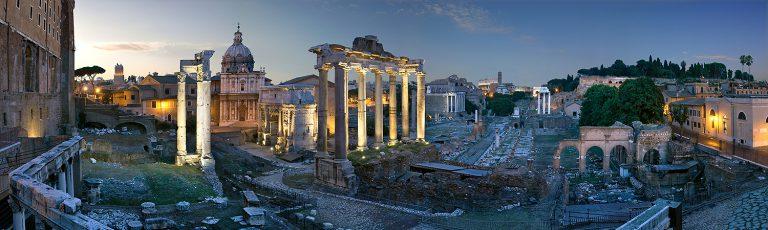 Foro por la Noche en Roma