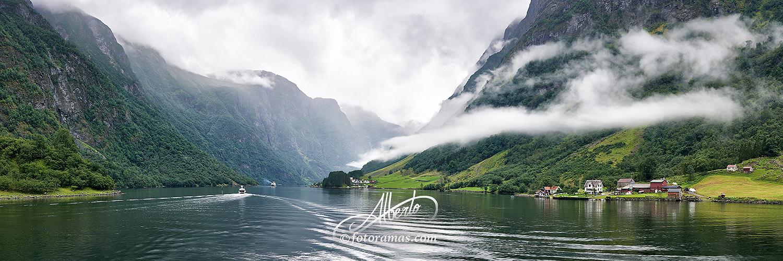 Navegando por los Fiordos en Noruega