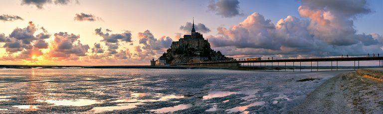 Puesta de Sol en Mont Saint Michel Francia