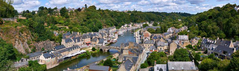 Pueblo de Dinan en Francia