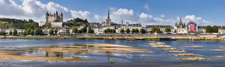 Castillo de Saumur en el Valle del Loira Francia